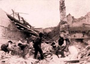 Una casa distrutta dal terremoto