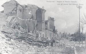 Avezzano – Angolo di Piazza Castello con gli avanzi dell'Albergo Roma