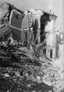 Palazzo distrutto dal Sisma